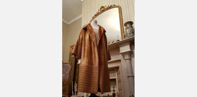 Brisbane theatre coat in sitting room (002)