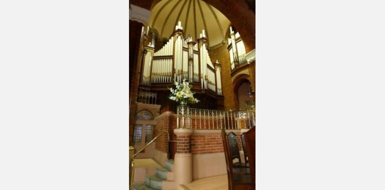steps to pulpit and choir a